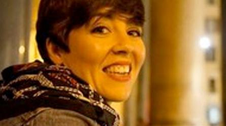 Firma su nuevo contrato de trabajo por un año la Técnico de Apoyo del PREMHEX Doña Candela Chaves Rodríguez